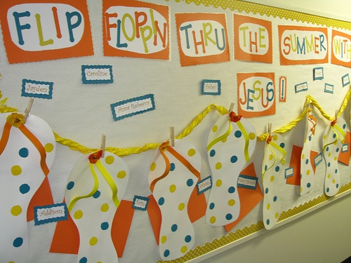 Flip-Floppin-Through-The-Summer-Bulletin-Board-Idea