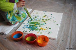 è giunta l'estate Attività da svolgere con i bambini in estate: arte attraverso una cannuccia