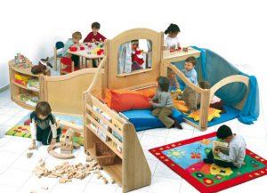 foto-arredamento-scuola-materna-asilo-nido-mobili-in-legno