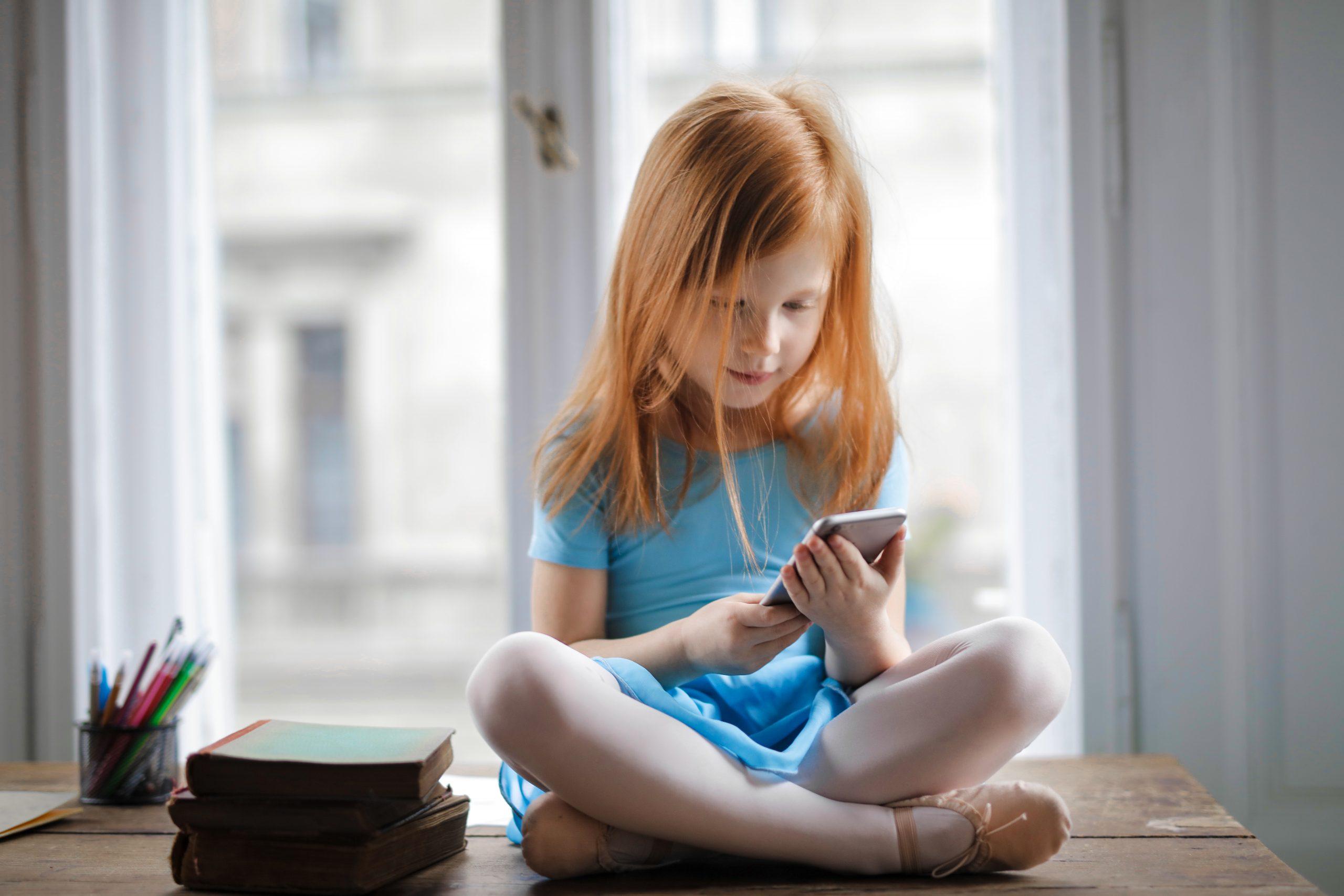 A quanti anni concedere l'utilizzo di uno smartphone a un bambino? Alcuni consigli