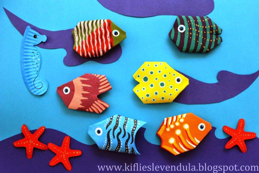 scuola-infanzia-nido-primaria-didattica-arte-pesci-riciclo-rotoli-carta-igienica